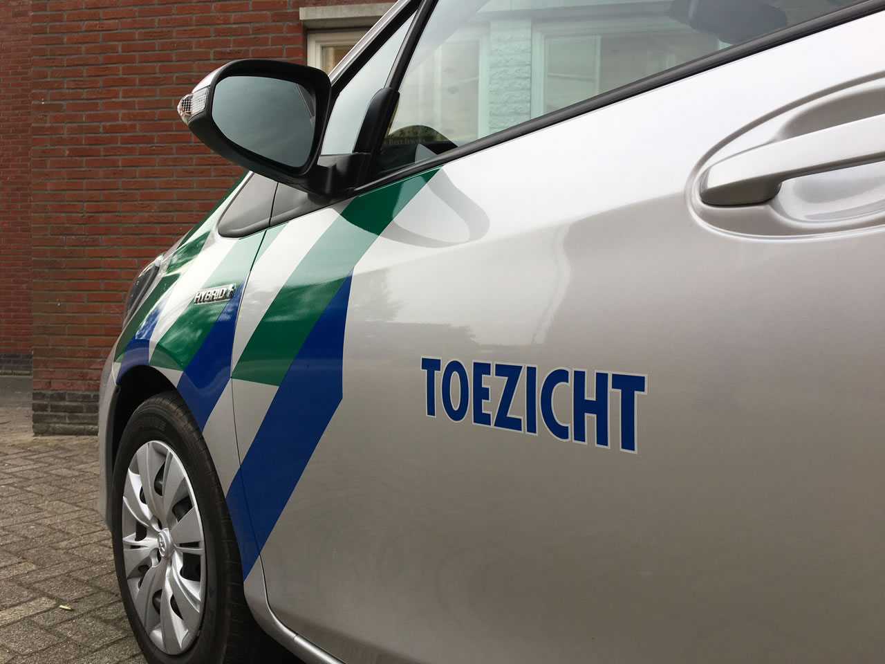 Gemeente Medemblik toezicht auto belettering