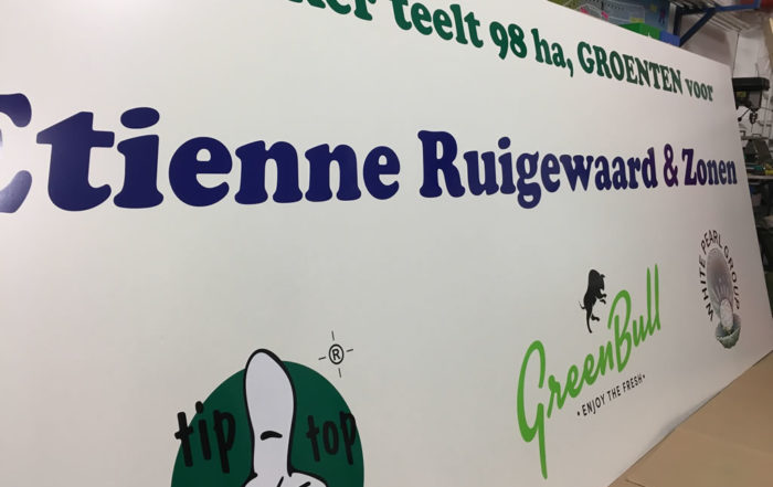 Belettering bord Etienne Ruigewaard